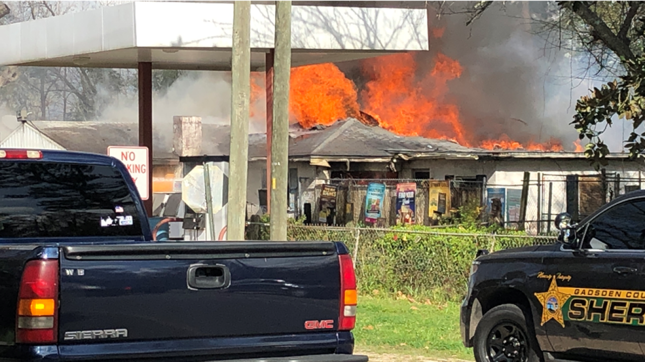 Authorities respond to fire at Ken's Country Store in Quincy