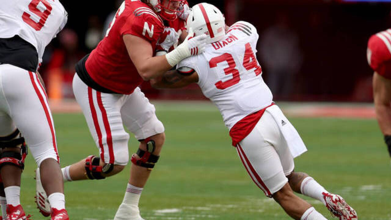 Huskers linebacker Dixon cleared to play