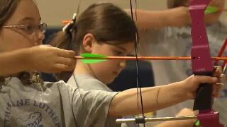 Small Stars: Archery students aim high at Gethsemane Lutheran School in Tempe
