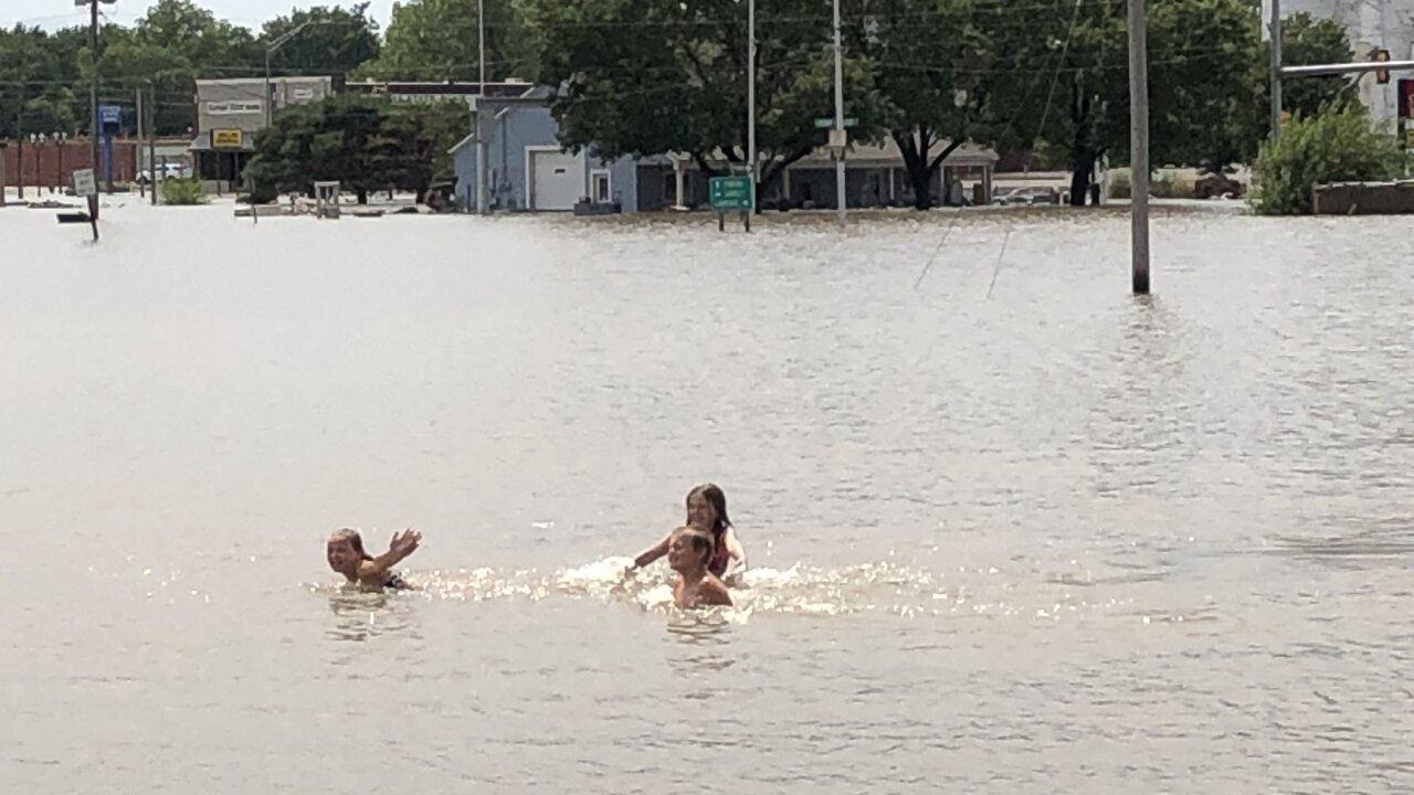 Kids swim Ottawa flood.jpg