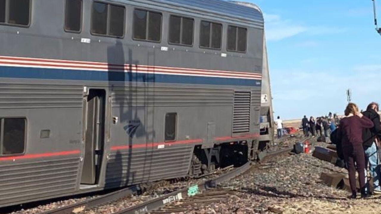 train derail 3.JPG