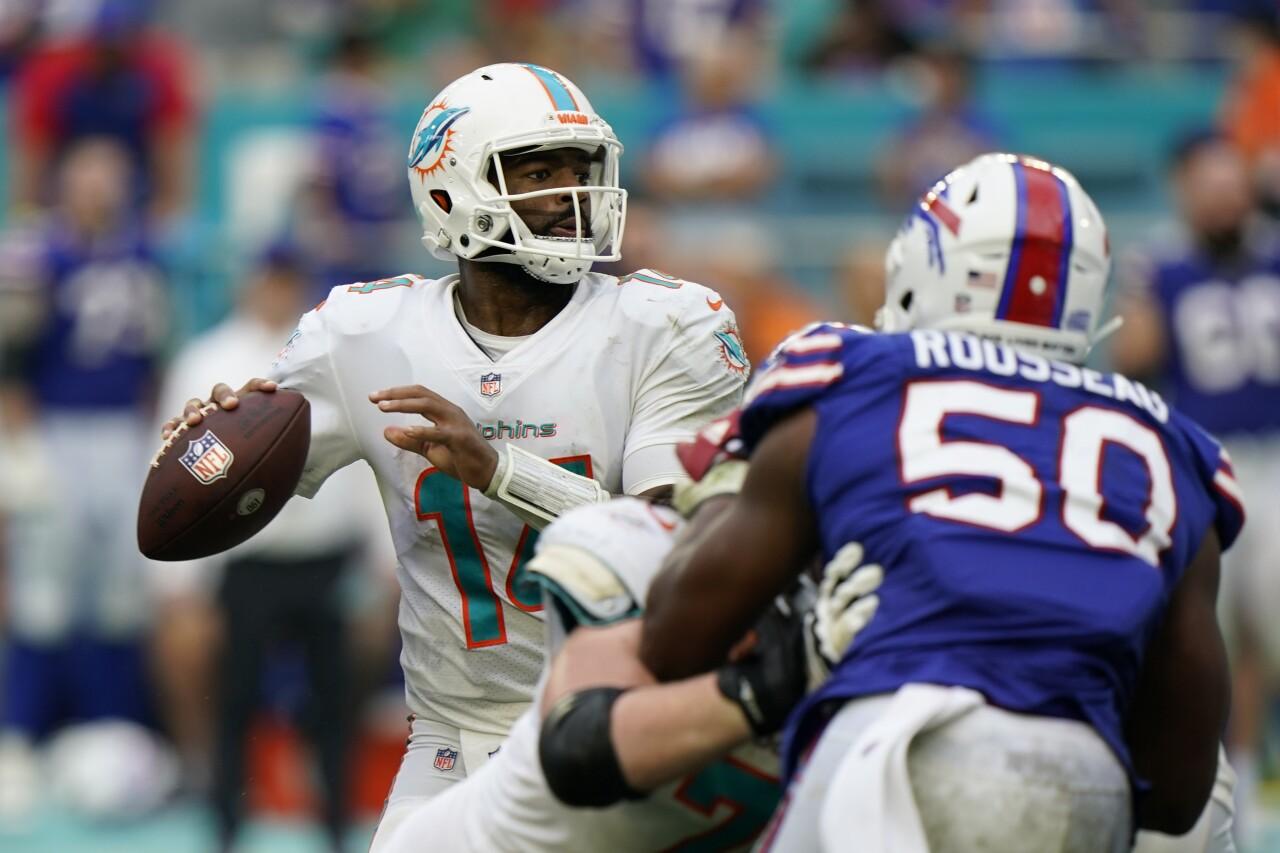 Miami Dolphins QB Jacoby Brissett prepares to throw vs. Buffalo Bills in September 2021