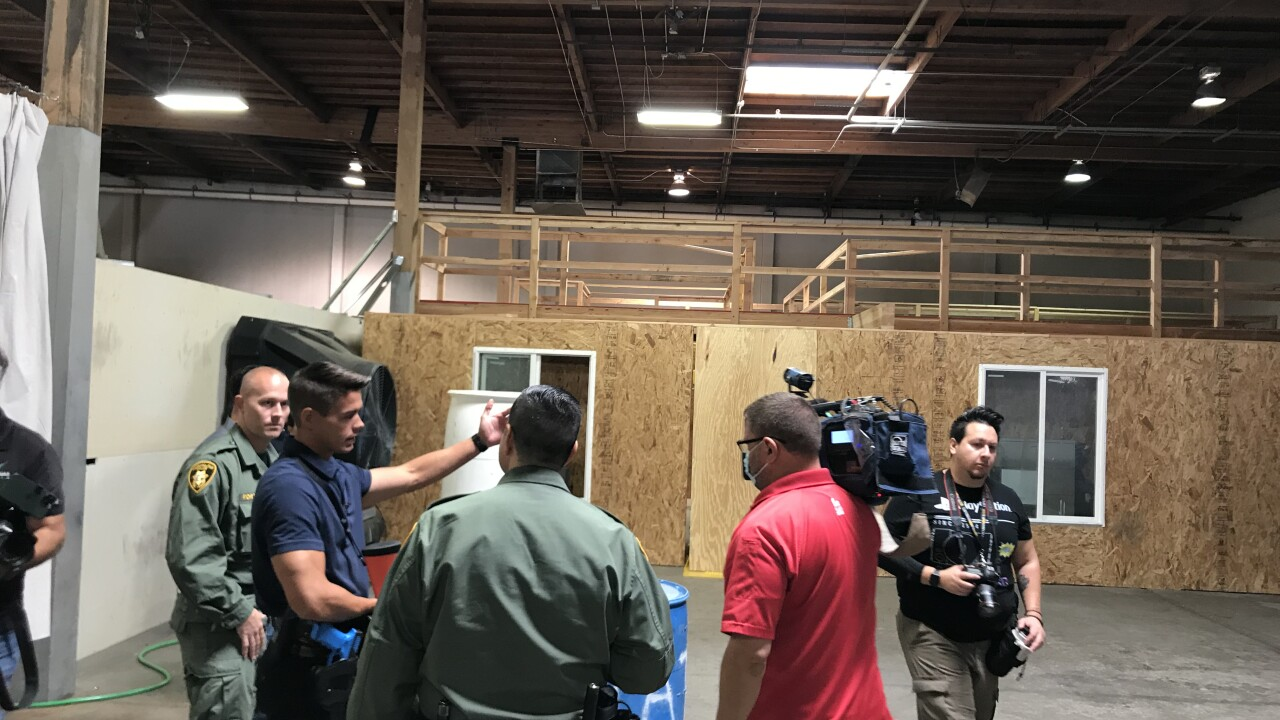 Metro Police run reporters through use of force trainingjpg