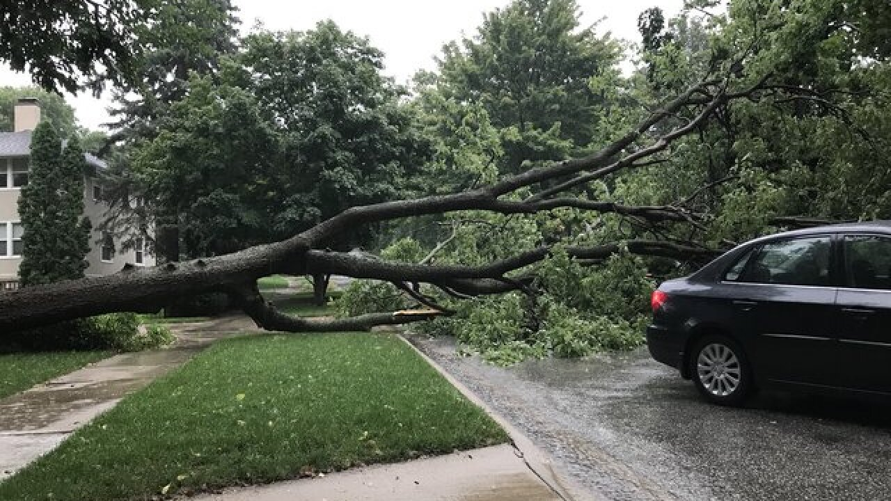Power outages, flooding greet morning commuters