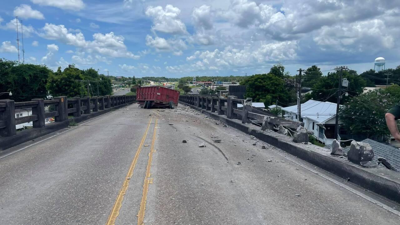 bridge crash 1.jpg