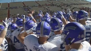 Hammond's big day leads Air Force past New Mexico, 44-22