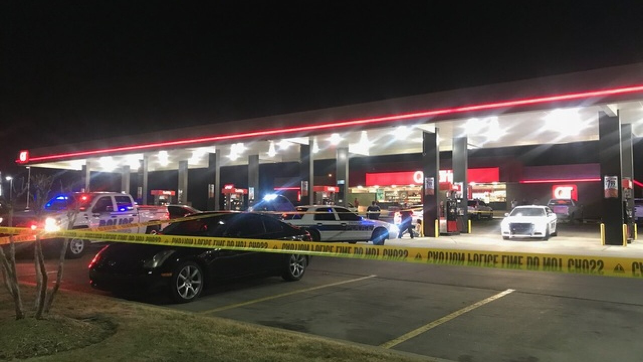 Police investigate after man stabbed in neck in Owasso