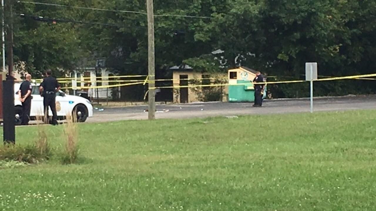 Many found shot on Indy's northwest side dies