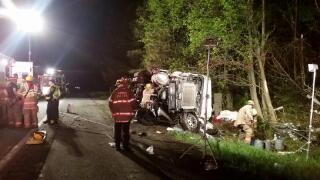Photos: Truck hauling 40,000 pounds of laundry detergent crashes onI-95