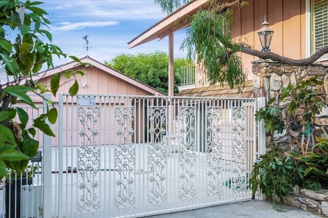 'The Brady Bunch' home for sale for $1.885M: See inside