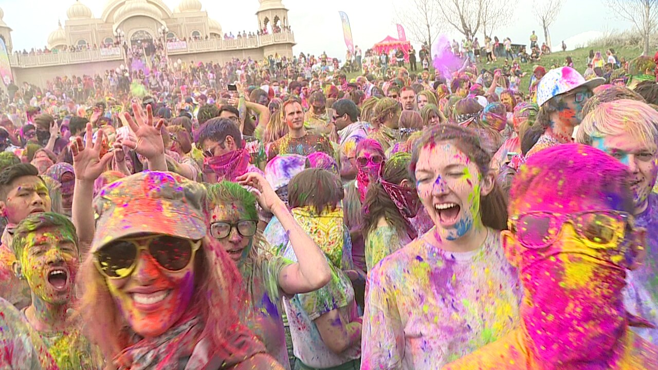 Hundreds celebrate arrival of spring at Holi Festival of Colors in Spanish Fork