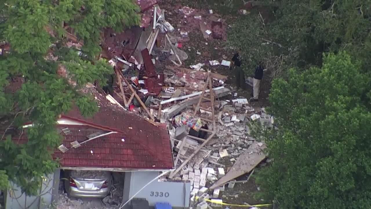 HOUSE EXPLOSION IN SEFFNER (4).jpg