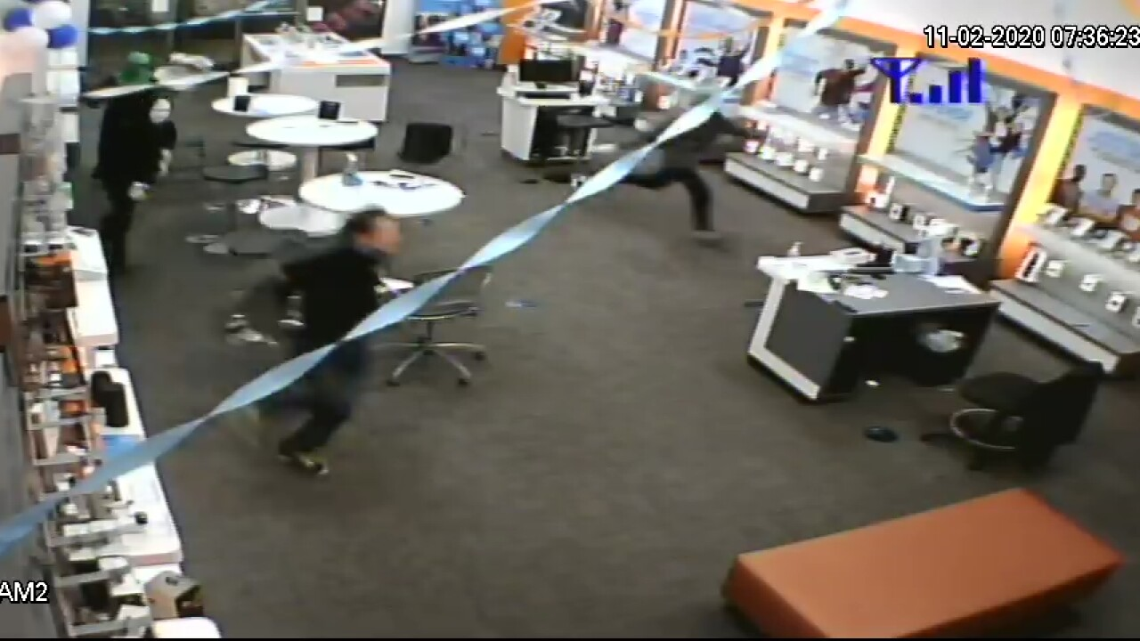 cell phone store robberies