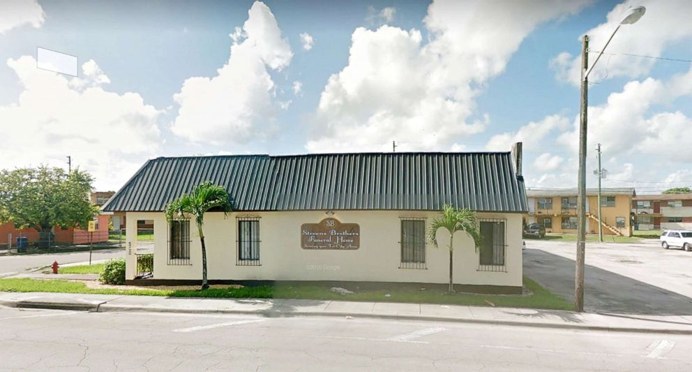 Family sues Florida funeral home for allegedly posting photo