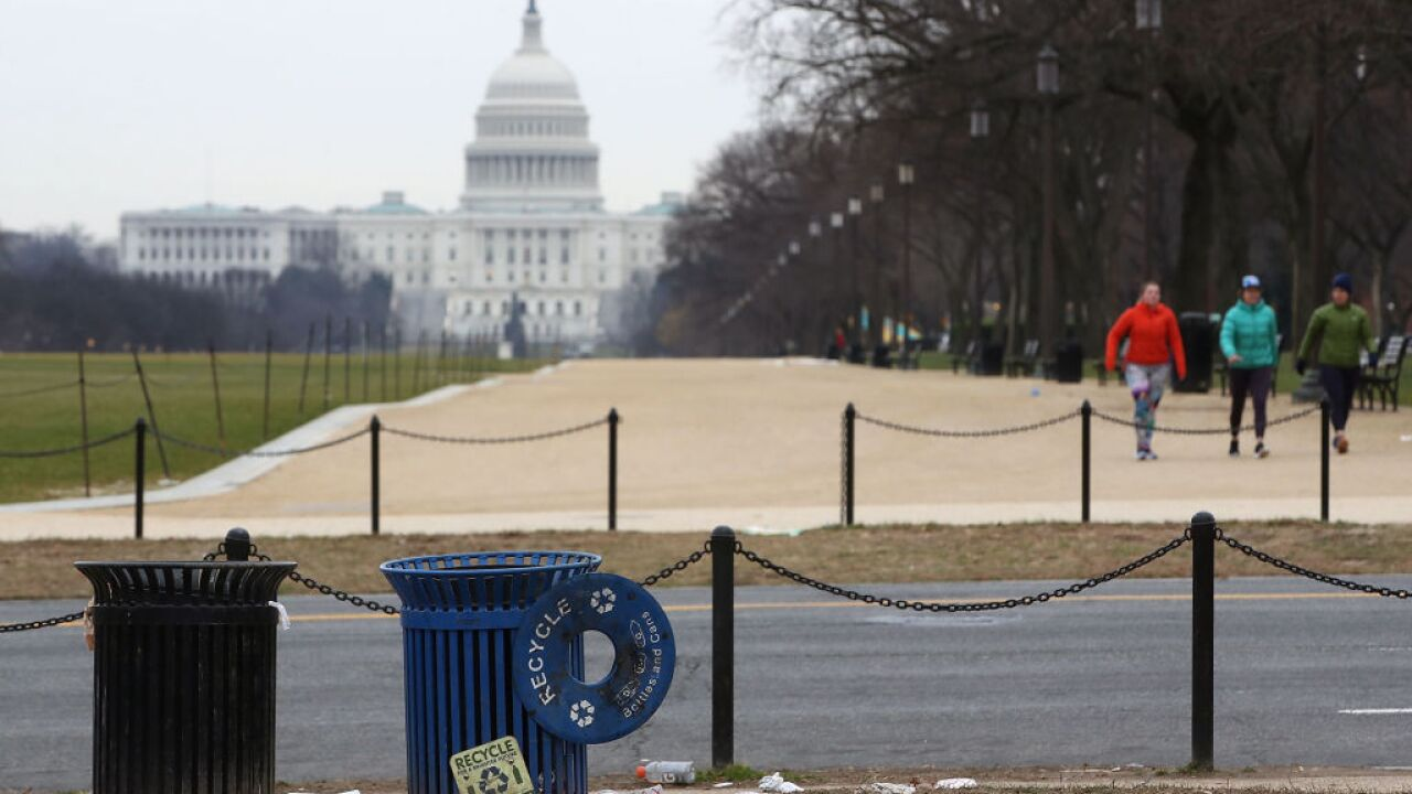 Government shutdown: Trash piles up on National Mall as Parks Service employees furloughed