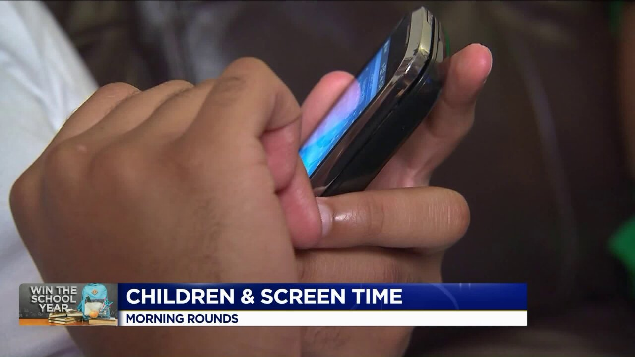 Morning Rounds: Screen time and vision damage