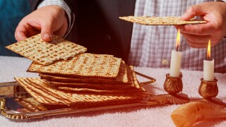 Local synagogues get creative to keep Passover celebration relevant