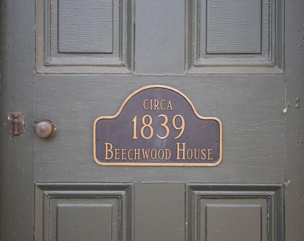 Home Tour: Take a step back in time as you tour this Kentucky antebellum farmhouse