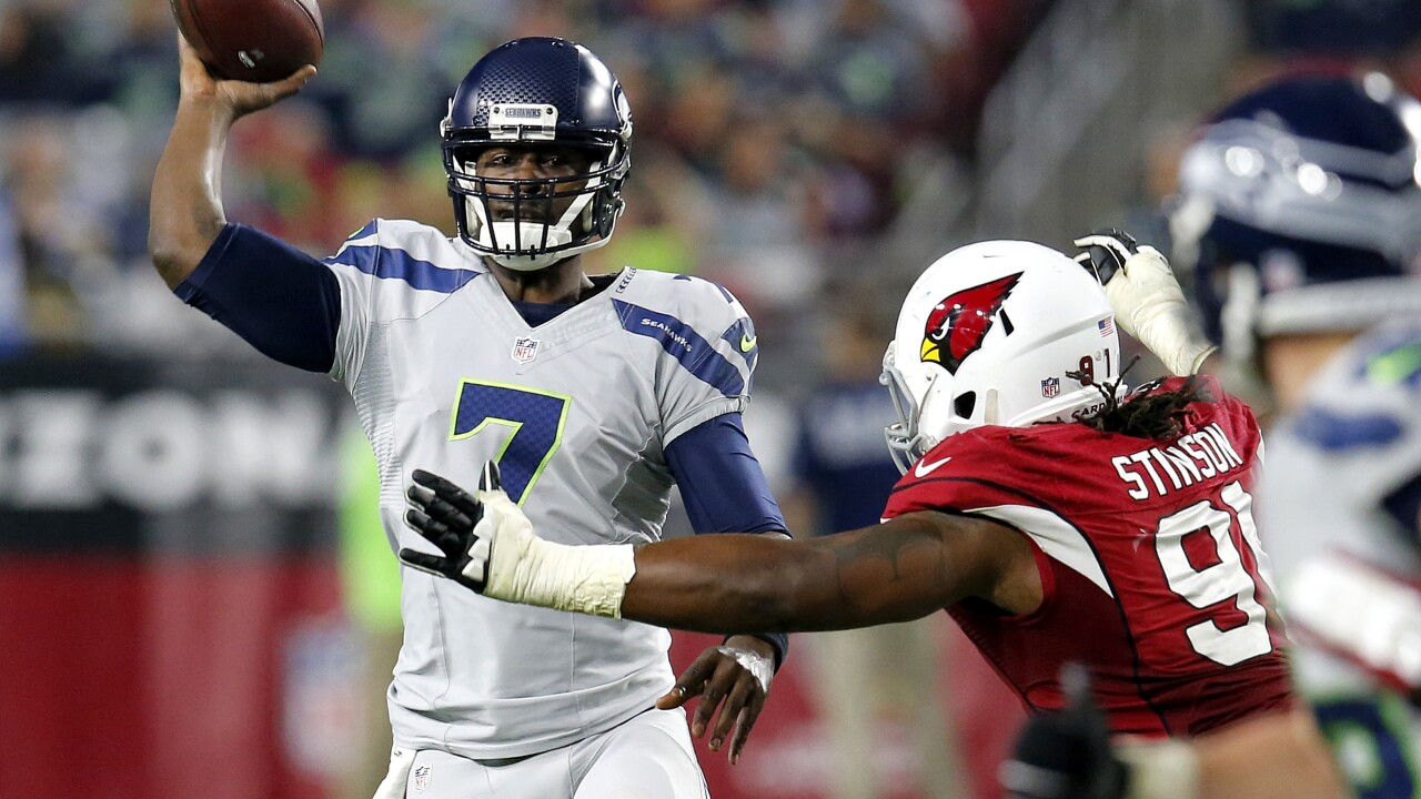 Former Seahawks, Vikings quarterback Tarvaris Jackson dies in Alabama single-car crash