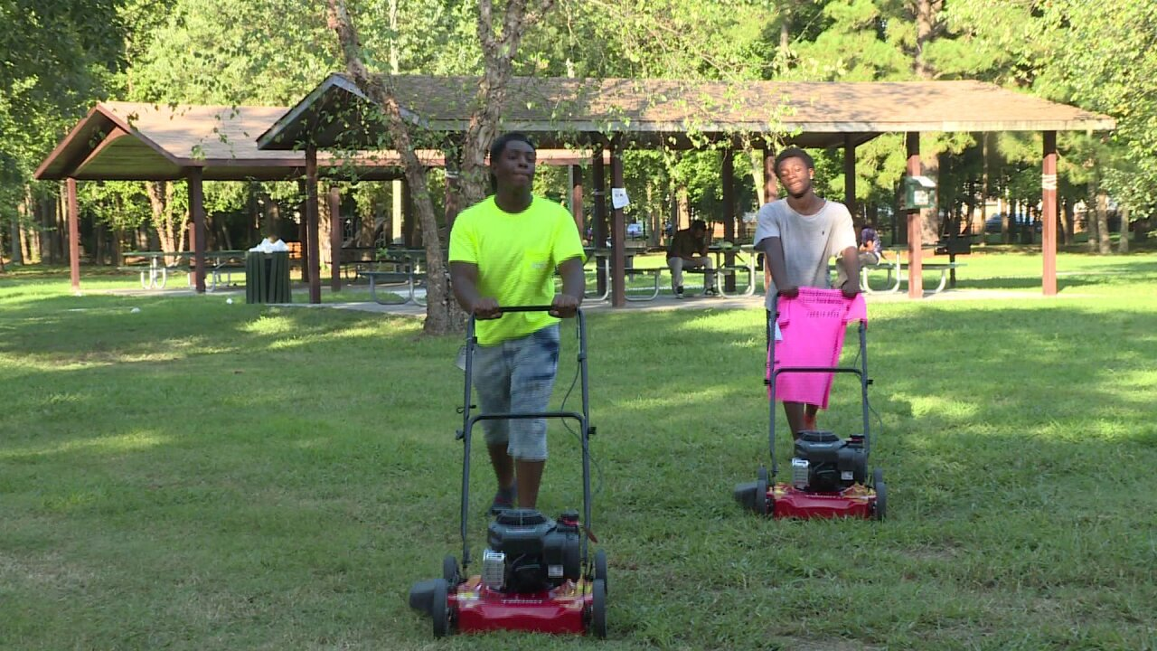 Virginia inmates donate gifts to teens to help them start lawn mowingbusiness