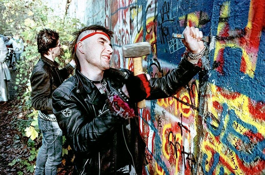 1990 Feature, Freedom Uprising (Berlin Wall Falls)