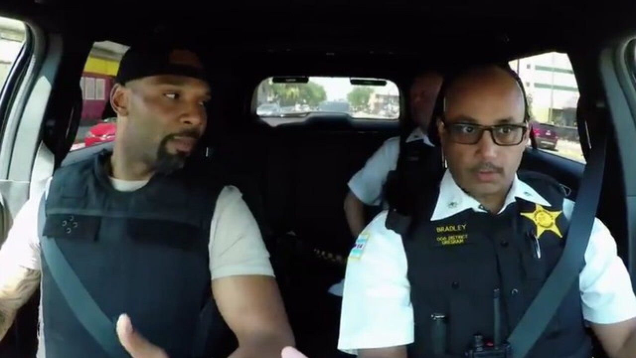 VIDEO: Former Bears star, police officer find common ground during ride-along