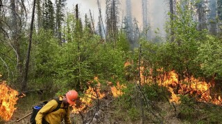 Helena Hotshots helping fight largest Alberta wildfire