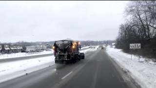 WCPO_snow_road_snow_plow.png