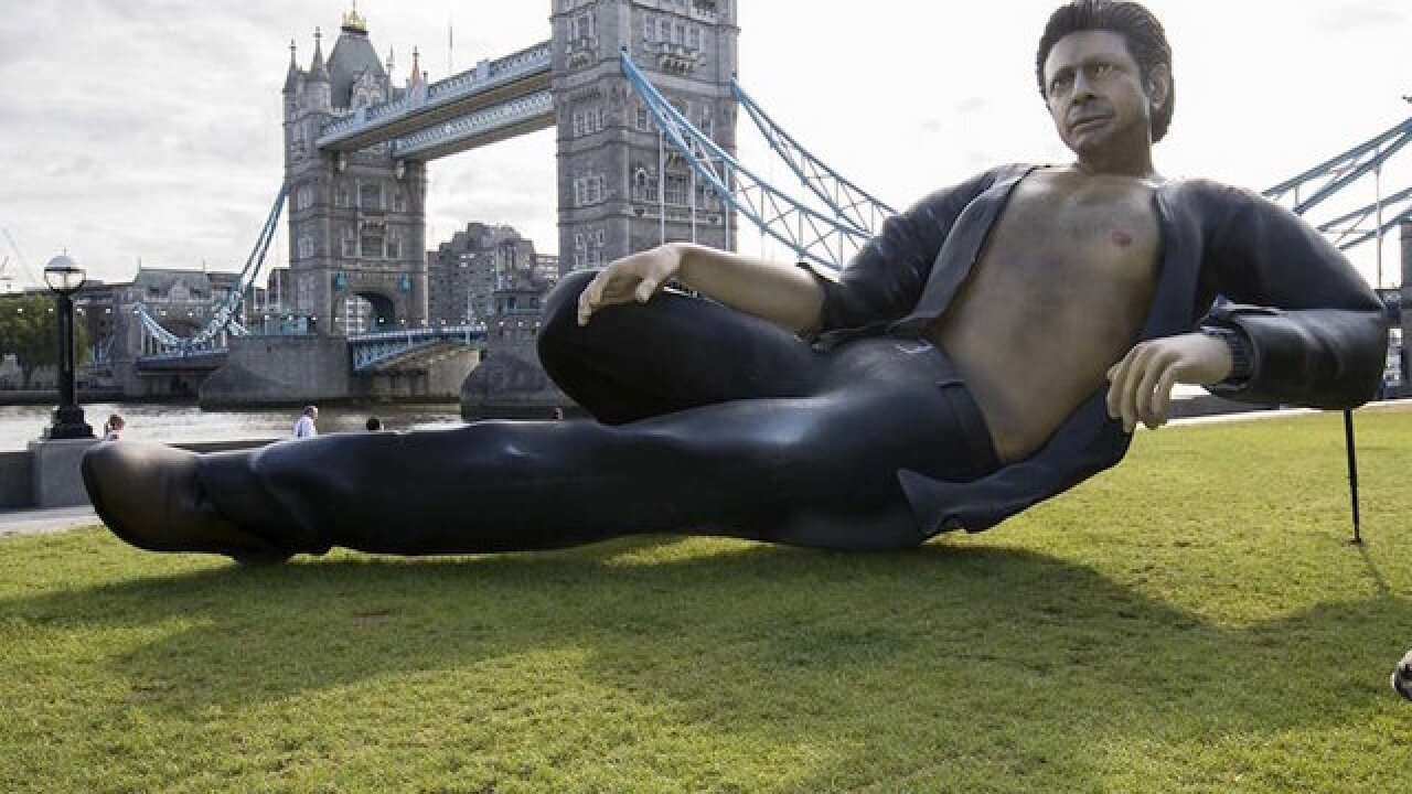 Giant statue of actor Jeff Goldblum appears in London