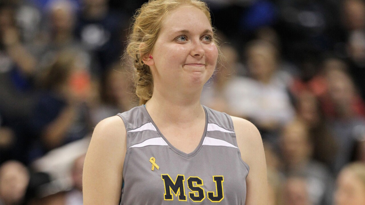 Lauren Hill, who battled brain cancer, will be inducted into Ohio Basketball Hall of Fame