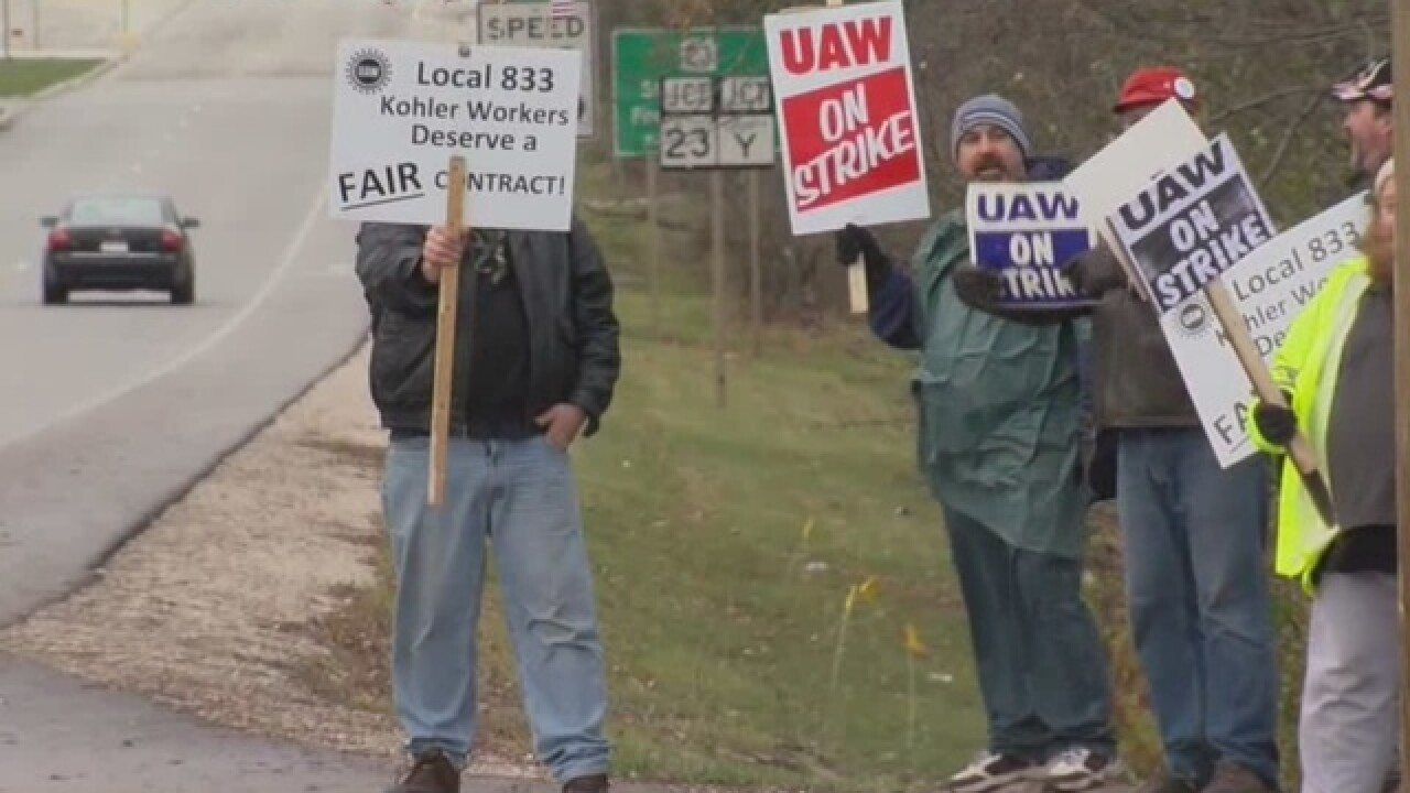 Police issue honking tickets at Kohler strike