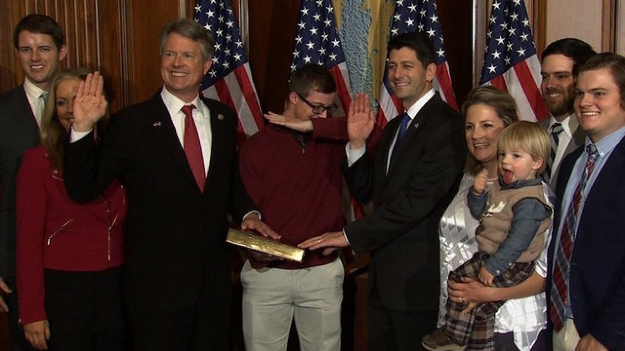 Congressman's son dabs during official swearing-in photo