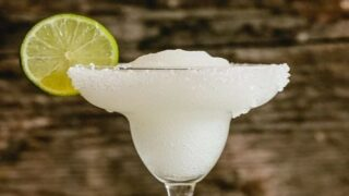 Margarita Recipe Uses White Wine Instead Of Tequila