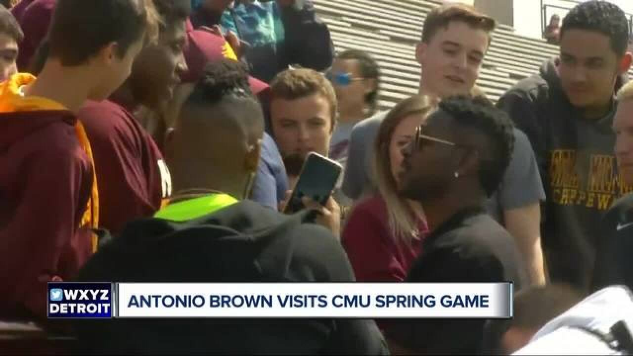 Antonio Brown visits CMU spring football game