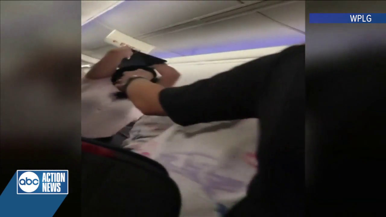 Video Shows American Airlines Passenger Smashing Laptop On