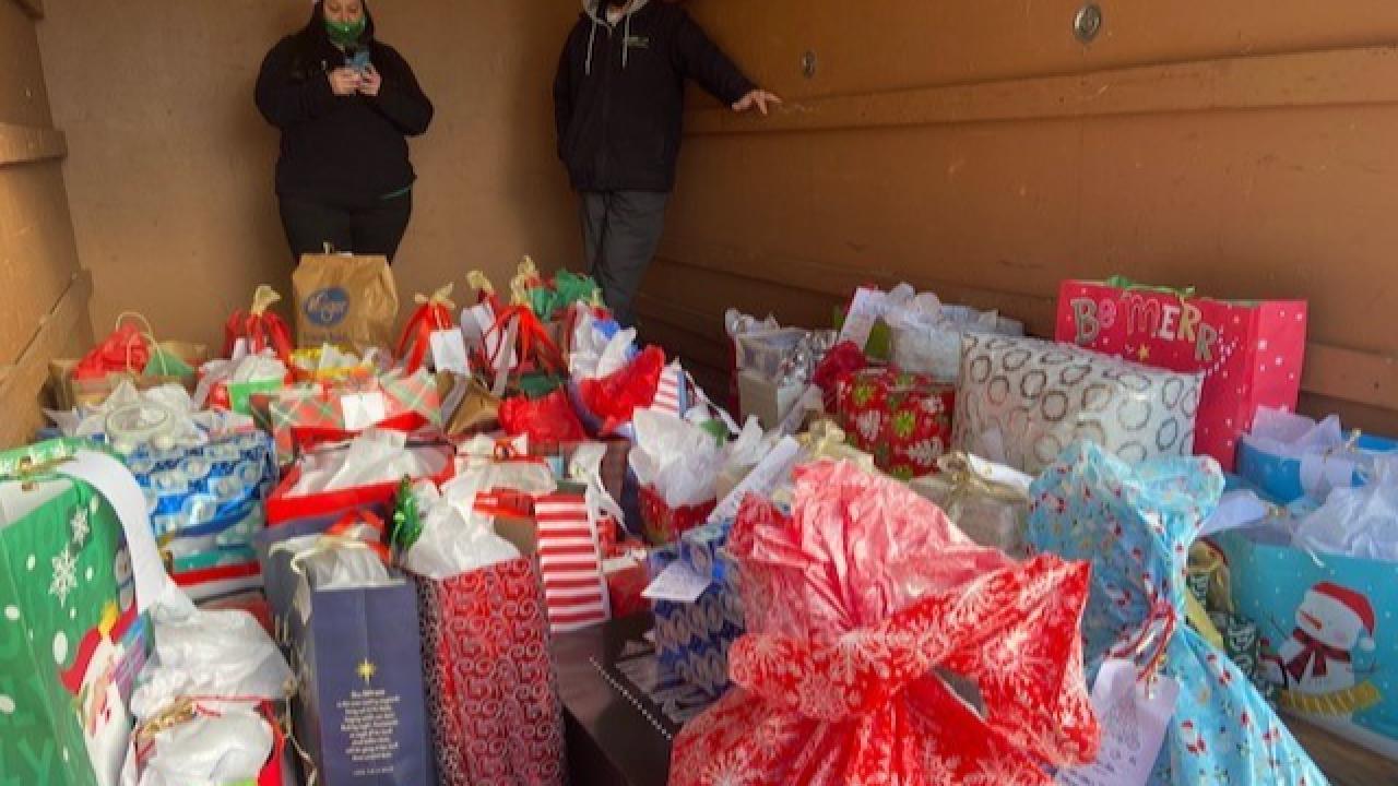 Seniors in Hampton get Christmas surprise.png