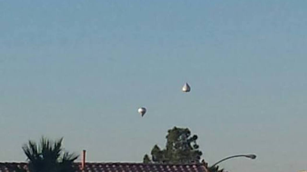 Upside-down balloon in Vegas sky grabs attention