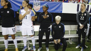 USWNT wants soccer federation to repeal anthem policy