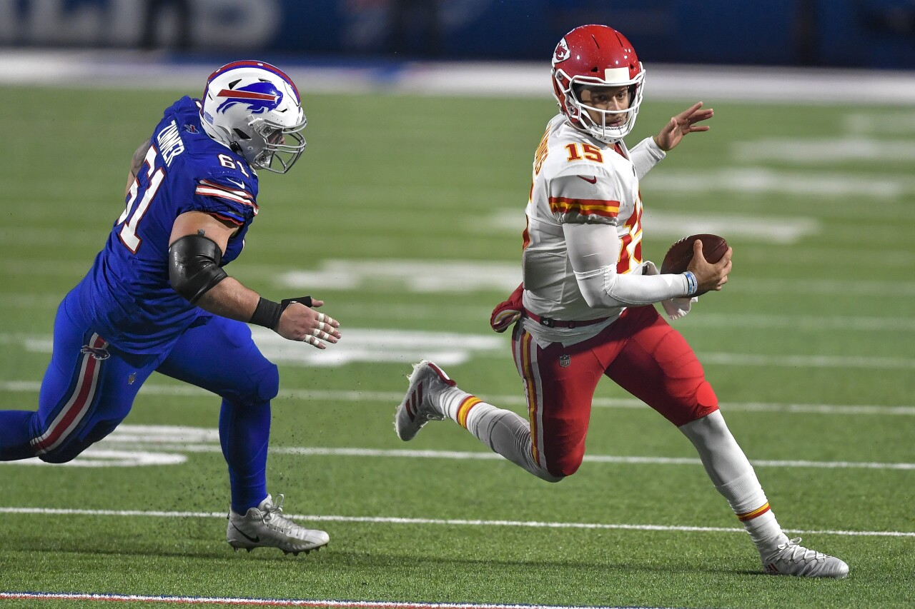 Justin Zimmer chases down Patrick Mahomes of the Kansas City Chiefs