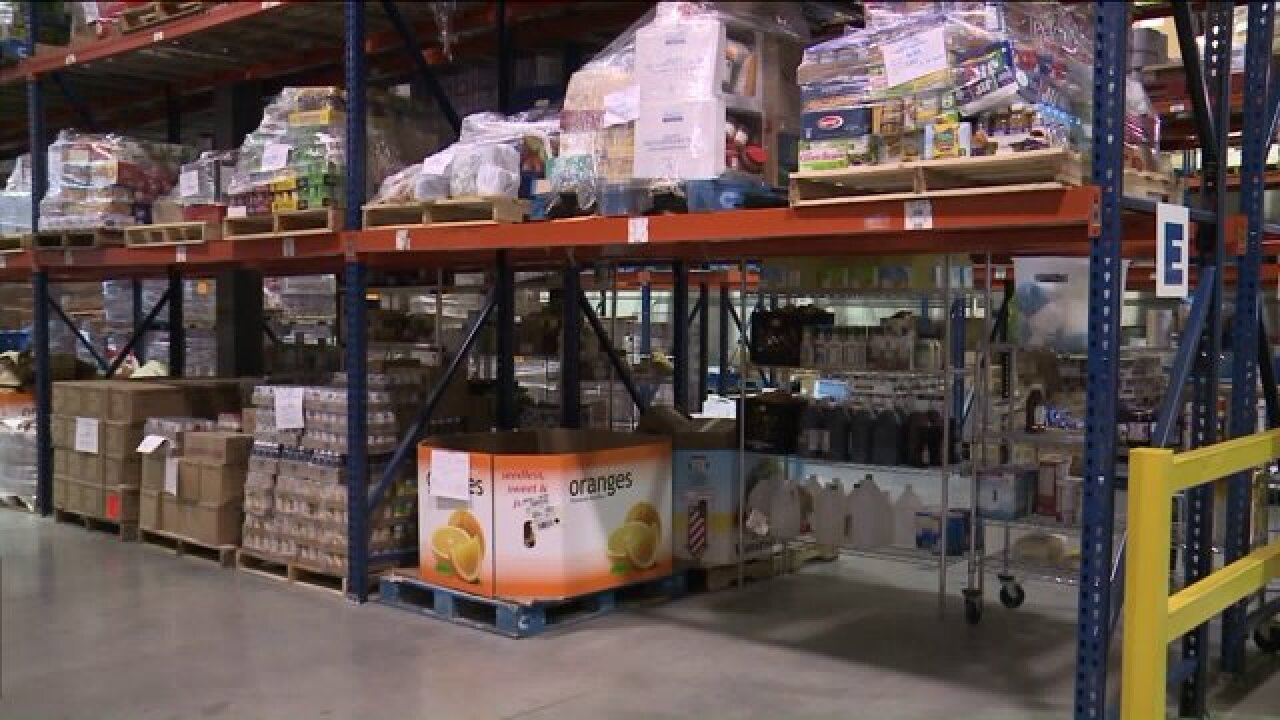 Steelworkers union funds food bank for laid-offmembers