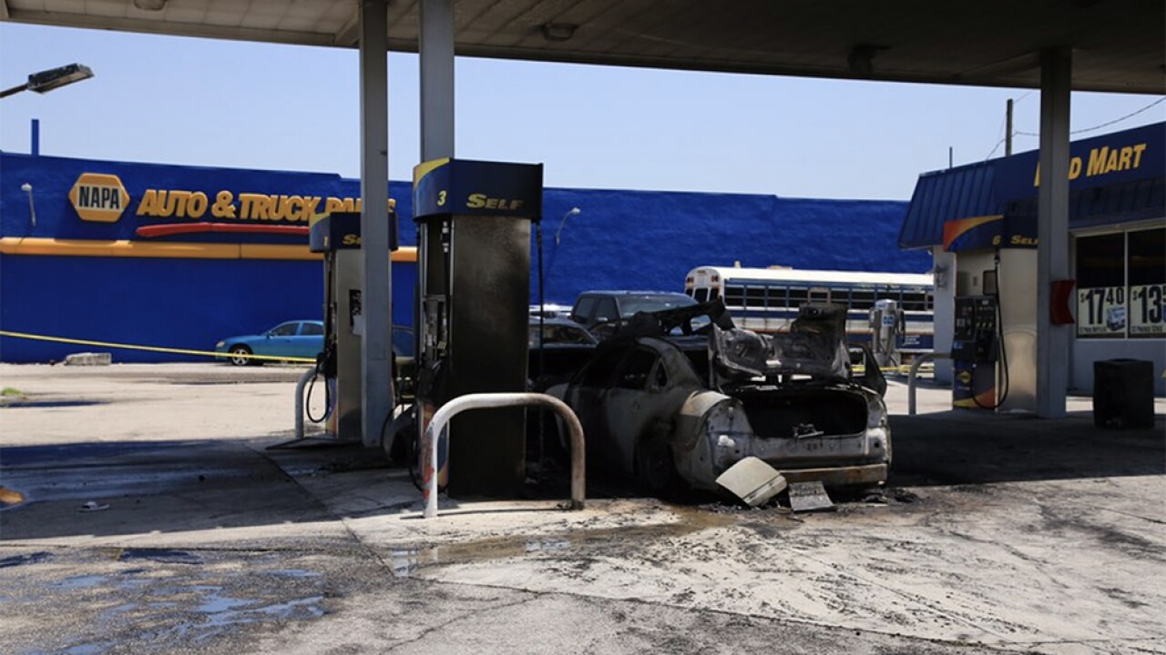 WPTV-BELLE-GLADE-GAS-STATION-FIRE-1.jpg