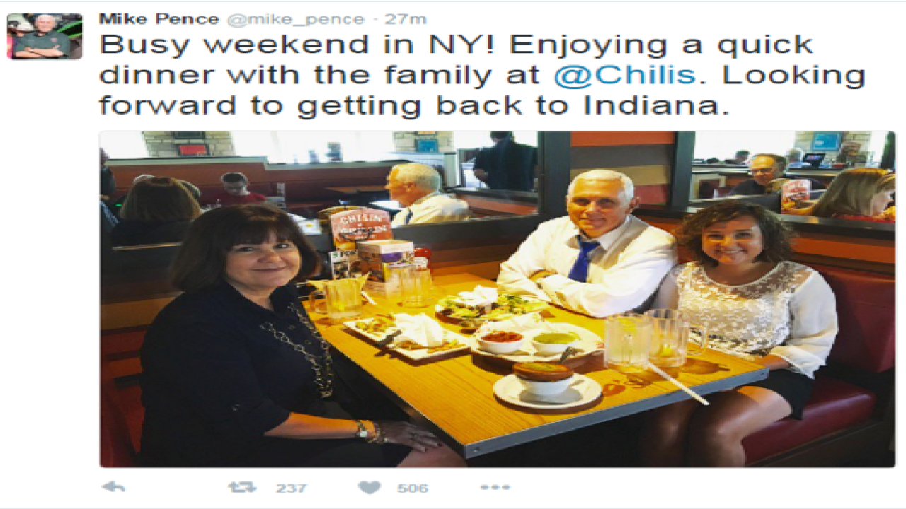 Internet mocks Mike Pence for eating at Chili's