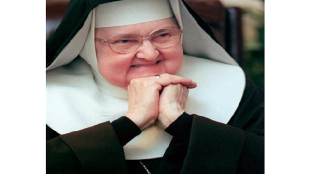 Mother Angelica dies at 92