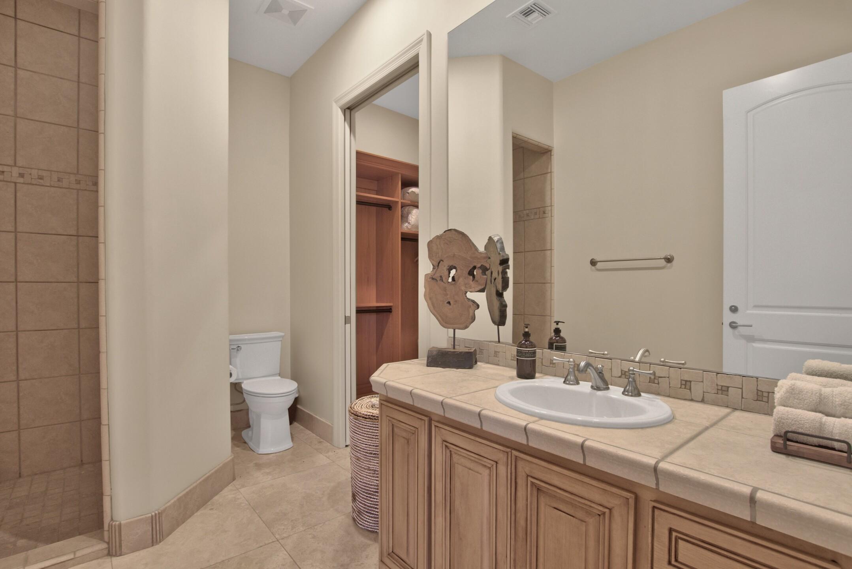 065_GUEST BATHROOM.jpg