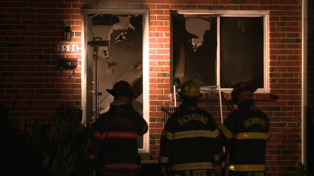 Fire forces people from South Richmond apartment