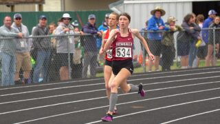 Photos: State AA, B track and field athletes impress Friday