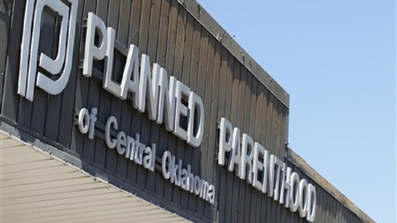 Judge blocks defunding of Planned Parenthood
