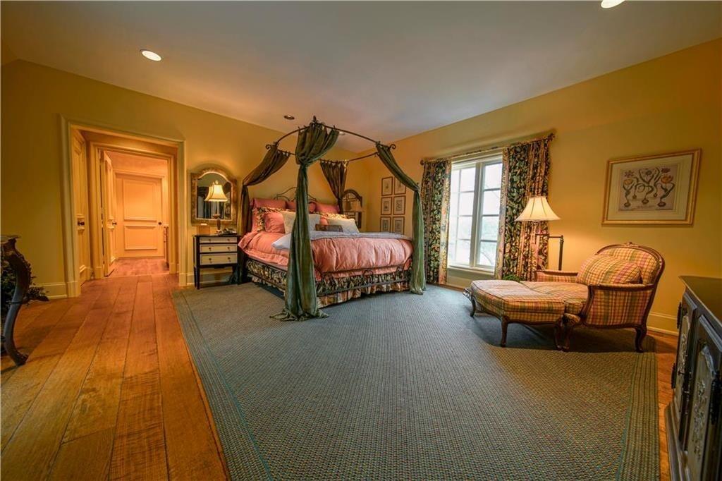weatherby lake mansion 11