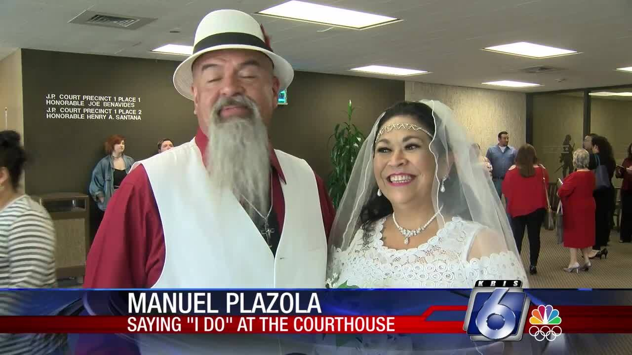 Plazolas wed at Nueces County Courthouse on Valentine's Day