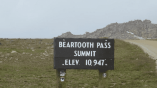 Beartooth Pass closed at state line